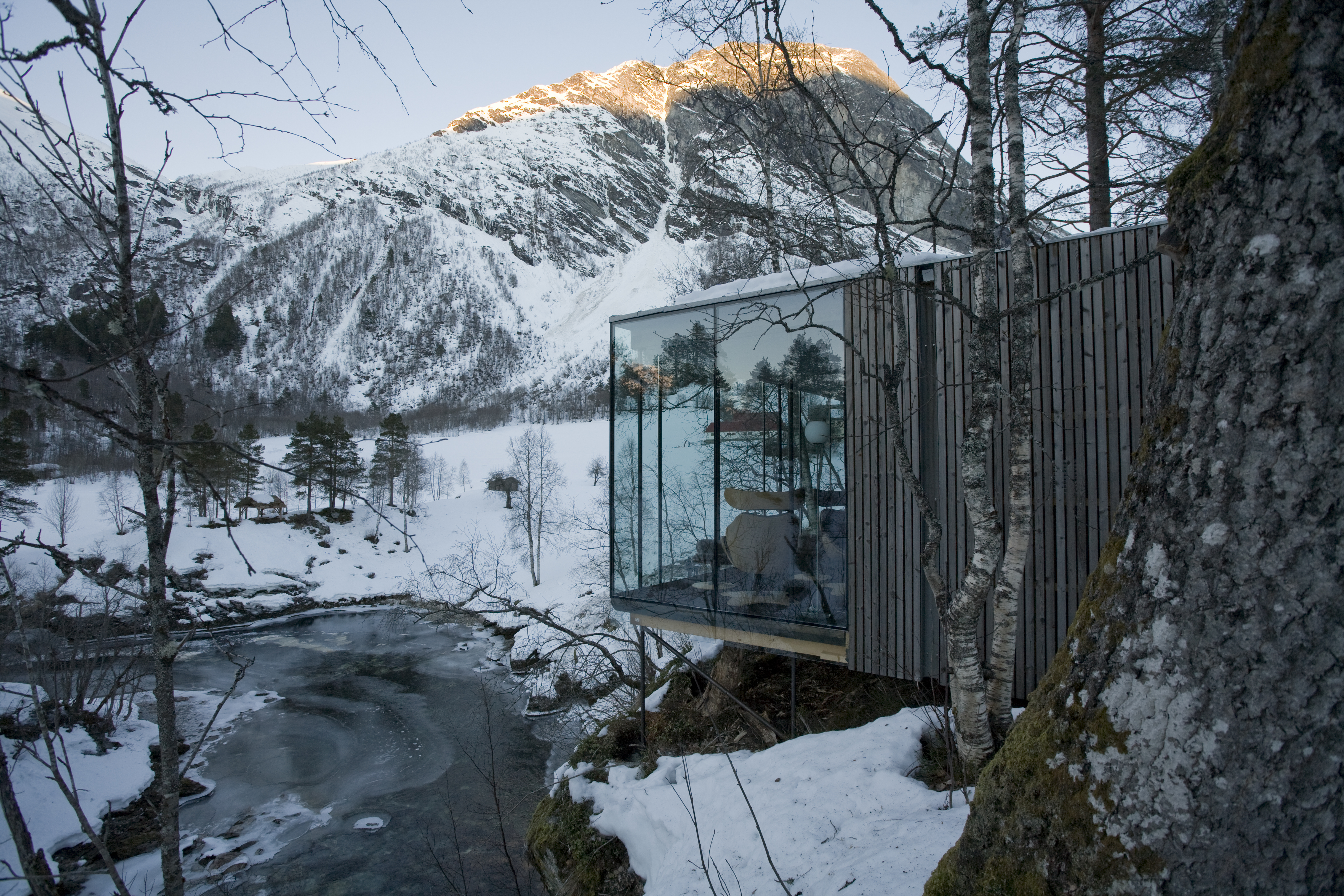 The House From Ex Machina Is Now A Beautiful Norwegian Hotel Ultralinx