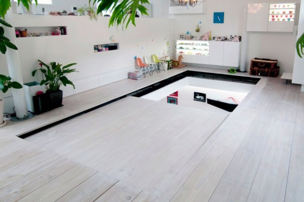 Minimalist Japanese House With An Awesome Car Elevator ...